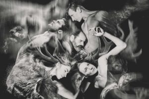 """Η """"Φαίδρα"""" στις 16 παραστάσεις που θα δούμε στην Αθήνα τους επόμενους μήνες (Λουίζα Αρκουμανέα – Lifo):"""